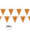200 meter oranje vlaggenlijnen